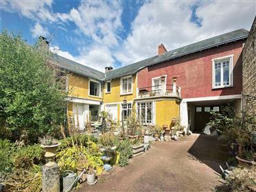 Grande maison avec dépendances proche Poitiers