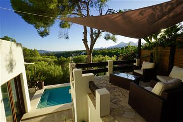 ****Opportunity **** Beautiful Ibiza-Style Villa In Prime Location -- With Stunning Panorama Mountai