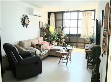 Bargain price, spacious, bright and quiet apartment, in Ashkelon