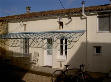2 Bed 2 Bath Cottage Urgent Sale