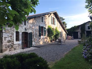 Magnífica propriedade rural perto de Pouillon de Landes