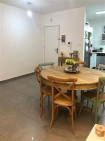 """דירה חדשה בניין בן 2.5 שנים, 113 מ""""ר, באשקלון"""