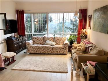 Spacious, bright, and quiet apartment, 85 Sqm, in Jerusalem