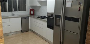 New renovated apartment, 100 Sqm, in Haifa