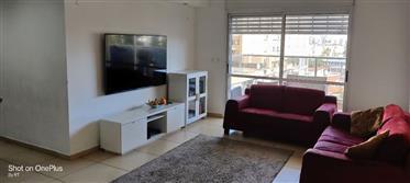 Appartement spacieux, lumineux et calme, 126 M², à Ashkelon