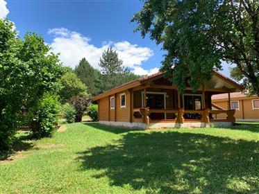 Casa quente de 75 m² - 4 quartos - 3 quartos - de um único andar