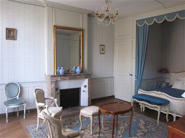 Château historique XVe-XVIIIe Dépendances Rivière Parc 7.5ha inscrit Mh