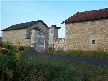 Ecological and big square farm close to Richelieu