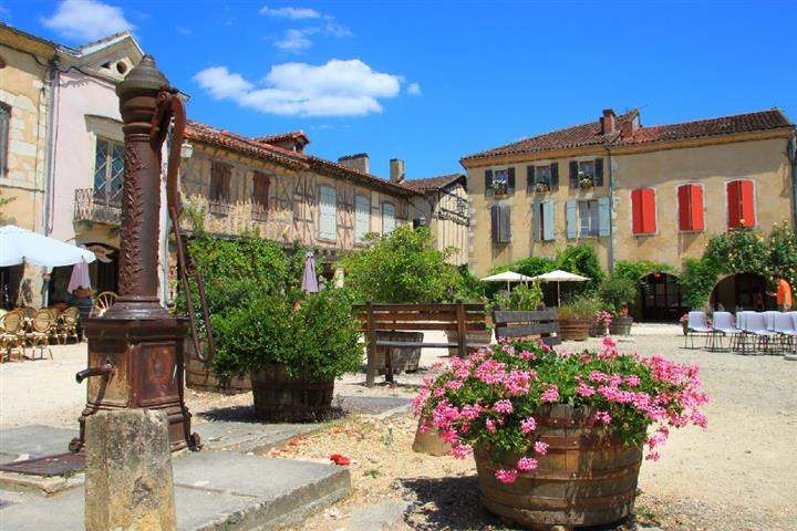 The country town of Armagnac, Landes