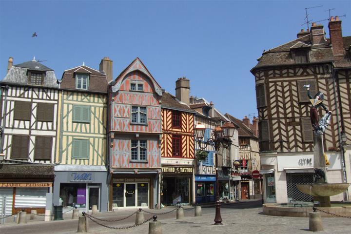 Quartier de la Marine à Auxerre, Yonne